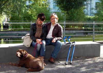 Thomas Frey mit Freundin Elke und Labrador Alina