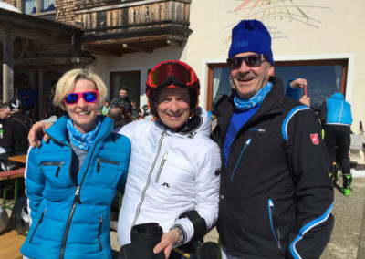 Thomas Frey beim Skifahren mit Marlies und Alfred Richter.