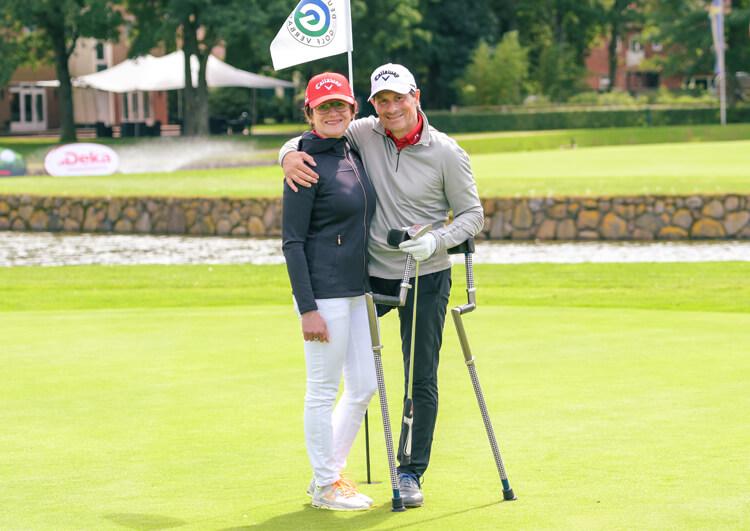 Thomas Frey bei den Internationalen Deutschen Meisterschaften der Golfer mit Behinderung 2017. Kein Turnier ohne Elke Kürbisch.