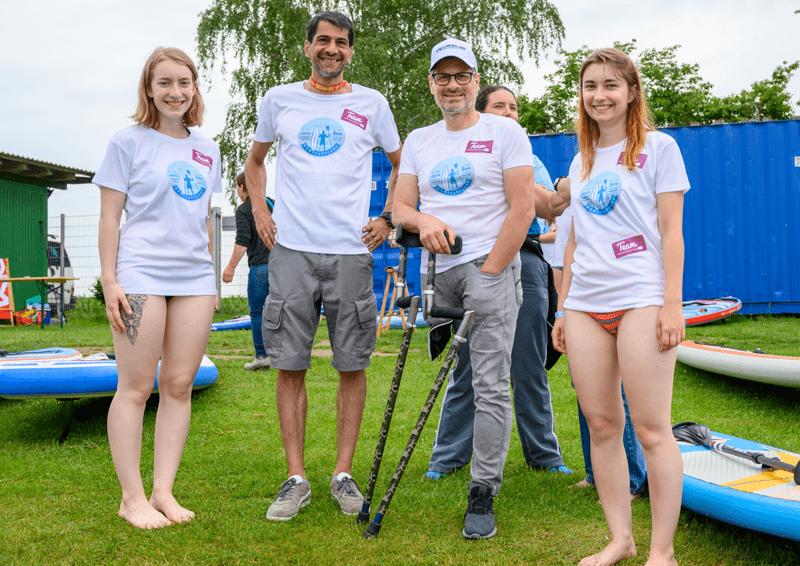 AmpSurfcamp 2019: Thomas Frey mit seinem Team.