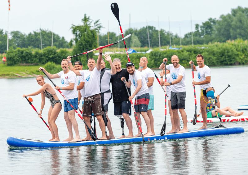 AmpSurfcamp 2019: Gute Laune auf dem Riesenboard